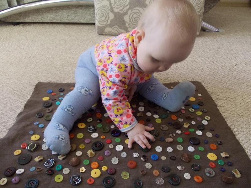 Игрушки для деток до года своими руками